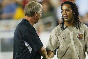 Saat Semua Pemain Man United Ingin Tendang Ronaldinho