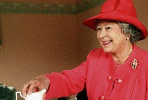 Ini Trik Murah Ala Ratu Elizabeth Atasi 'Jet Lag'