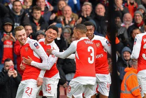 Perpanjang Kontrak bersama Arsenal, Chambers Ingin Raih Banyak Trofi