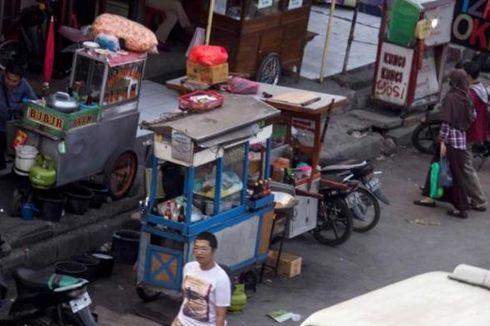 Proyek Pelebaran Jalan, PKL Puncak Direlokasi