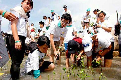 Aktivis Alam Peduli Pesisir Pantai Pulau Panggang