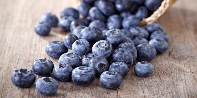 Buah blueberry tidak hanya mengandung antoksidan yang tinggi tapi juga baik untuk kulit dan mencegah kanker.