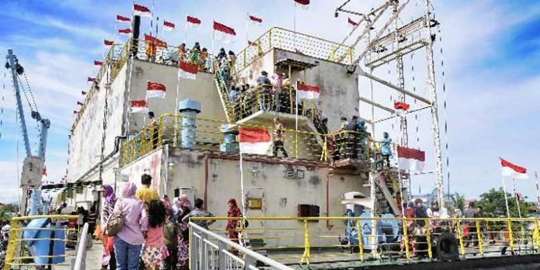 0909553PLTD Apungg780x390 » Situs Tsunami Di Aceh Pikat Turis Asing