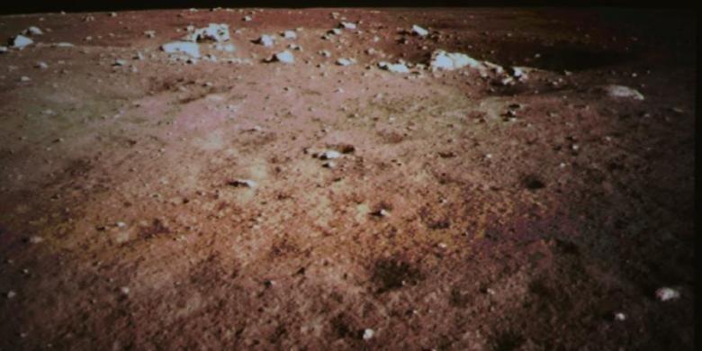 Wajah Bulan hasil jepretan kamera pada wahana Change 3.