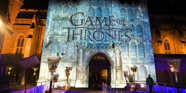 Novel Game of Thrones sukses diangkat jadi serial televisi.