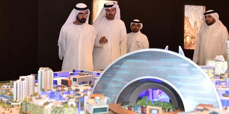 Penguasa UEA dan Wakil Presiden UEA Sheikh Mohammad Bin Rashid Al Maktoum, (kiri).