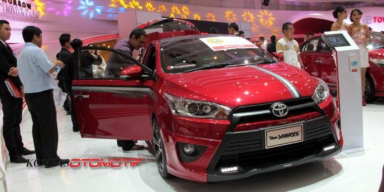 Toyota Yaris di IIMS 2014, diskon sampai Rp 10 juta.