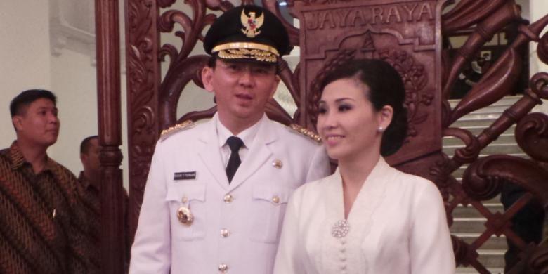 Basuki Tjahaya Purnama atau Ahok bersama istrinya Veronica Tan saat Ahok menjabat sebagai gubernur.