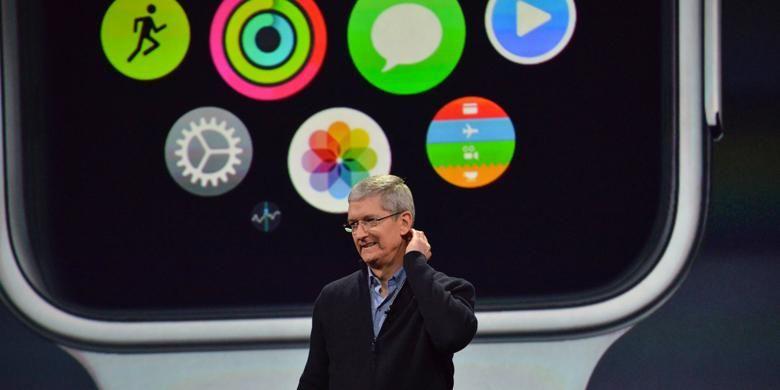 Tim Cook di peluncuran Apple Watch di San Francisco, Senin (9/3/2015).