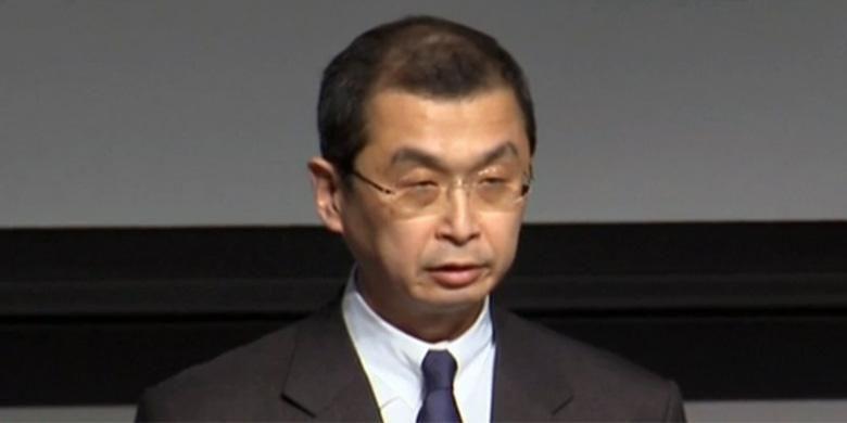 President Takata Corporation Shigehisa Takada menyatakan permintaan maaf terkait kasus kantong udara Takata saat konferensi pers di Jepang, Kamis (25/6/2015).