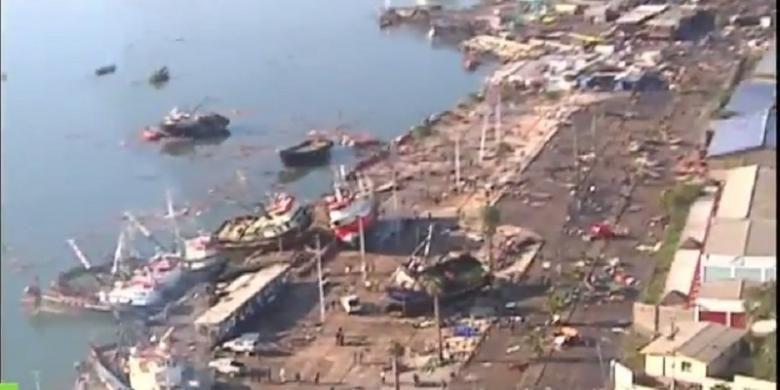 Kerusakan yang terjadi akibat gempa berkekuatan 8,3 yang diikuti tsunami di Cile, Rabu (16/9/2015) waktu setempat.