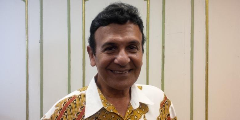 Artis peran dan sutradara film Mark Sungkar diabadikan di Hotel Kartika Chandra, Jakarta Selatan, Minggu (20/9/2015).