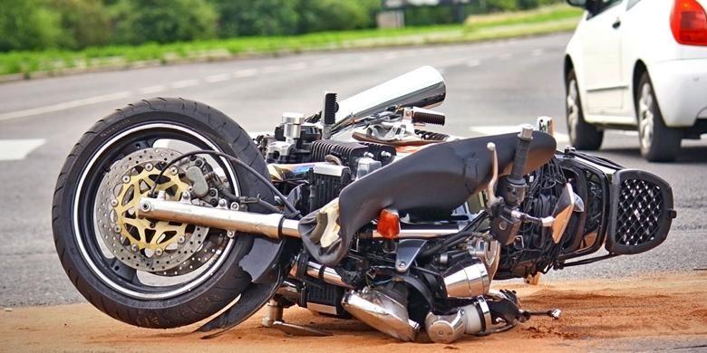 Kecelakaan Lalu Lintas, Sepeda Motor, dan SIM