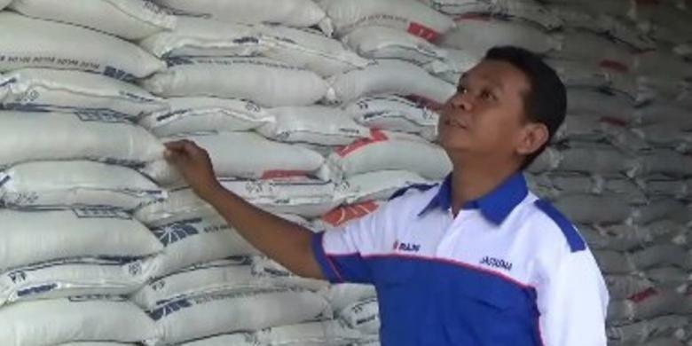 Bulog Divre Polewali mandar yang membawahi wilayah kabupaten Majene, Polman dan Mamasa memasok 4000 ton beras ke wilyah Kaltim, Palu dan Makassar untuk memperkuat stok beras di tiga lokasi tersebut, terutama menjelang Ramadan dan lebaran.