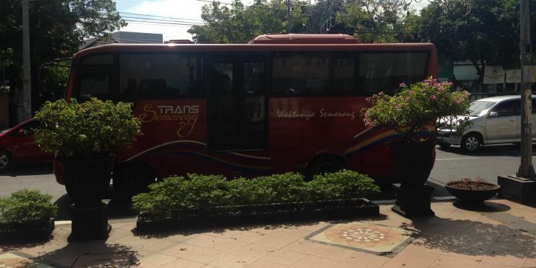 Bus Rapid Transit (BRT) Trans Semarang