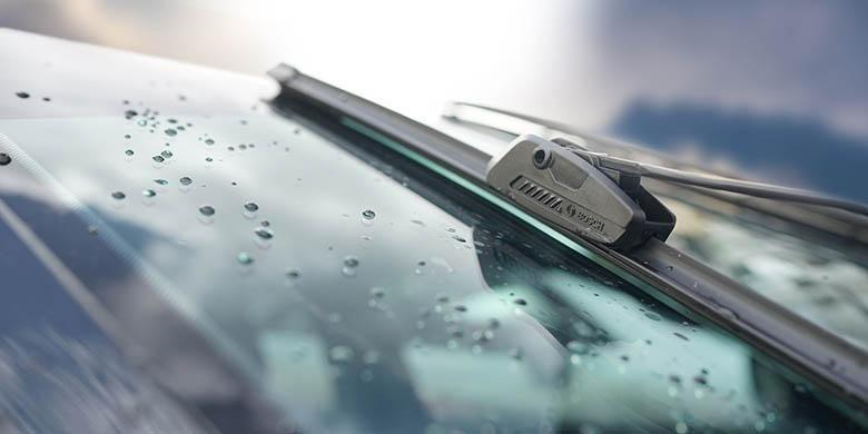 Bosch Wiper Clear Advantage dengan teknologi flat blade