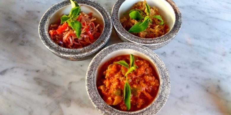 Sambal bogkot, sambal kencur, dan sambal belimbing wuluh di Manisan, Ubud, Bali.