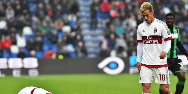 Gelandang AC Milan, Keisuke Honda, tampil dalam laga Serie A kontra Sassuolo, di Stadion Mapei, 6 Maret 2016.