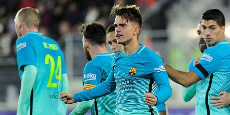 Gelandang Barcelona, Denis Suarez, tampak gembira seusai mencetak gol ke gawang Eibar pada lanjutan La Liga, Minggu (22/1/2017).