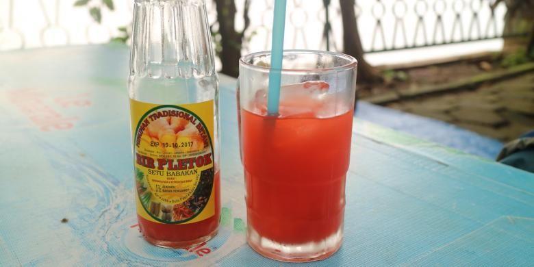 Hangat, wangi, segar, dan terbuat dari rempah-rempah Nusantara. Itulah minuman khas Betawi, bir pletok yang dikenal berkhasiat bagi kesehatan.