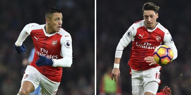Dua pemain Arsenal, Alexis Sanchez dan Mesut Oezil. Keduanya dinilai berpotensi hengkang jika Arsenal gagal menyudahi Premier League 2016-2017 di urutan empat besar.