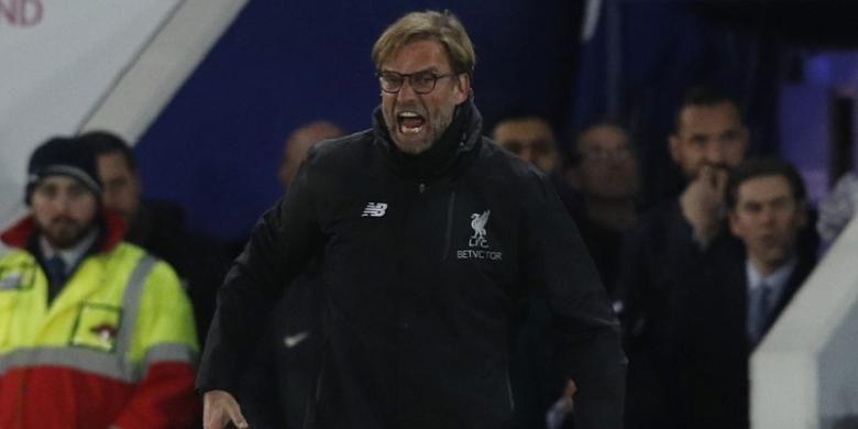 Ekspresi manajer Liverpool, Juergen Klopp, dalam pertandingan Premier League melawan Leicester City di Stadion King Power, 27 Februari 2017.