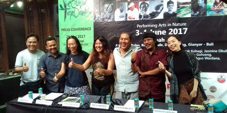 Jumpa pers para penggagas Festival Tepi Sawah digelar di Vila Omah Apik, Pejeng, Kabupaten Gianyar, Bali pada 3-4 Juni 2017.