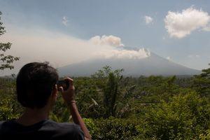 Presiden Jokowi akan Kunjungi Pengungsi Gunung Agung