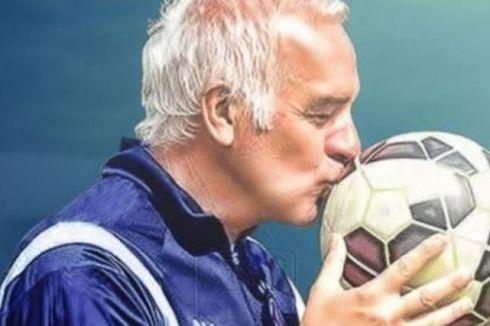 Persib Tunjuk Roberto Carlos Jadi Pelatih Baru