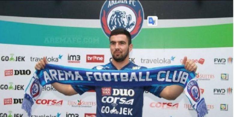 Ahmet Atayew resmi diperkenalkan sebagai pemain Arema FC di Kantor Arema FC, Selasa (8/8/2017).