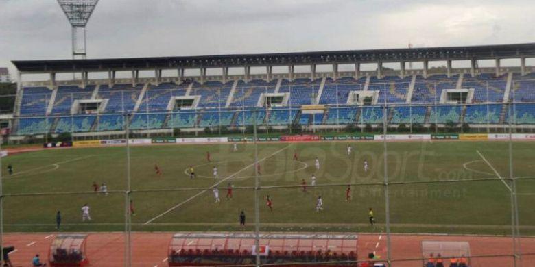 Pertandingan antara Indonesia vs Vietnam dalan laga Piala AFF U-18 2017 di Stadion Thuwunna, Yangon, Myanmar, Senin (11/9/2017).