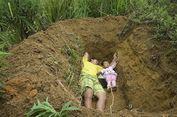 Anak Sakit Keras, Ayah yang Luluh Lantak Ajak Anak Main di Kuburan