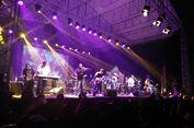 Konser Sehari Bersama Papua Hangatkan Malam Minggu di Bandung
