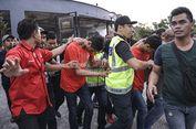 Tiga Remaja Ditahan setelah Melempari Mahathir dengan Sandal
