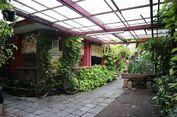 Di Balik Dinding Kampung Batik Laweyan Solo