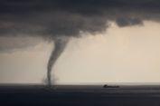 Puting Beliung di Laut Alamiah