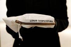 Tas Apollo 11 dengan Jejak Debu Bulan Terjual Rp 24 Miliar