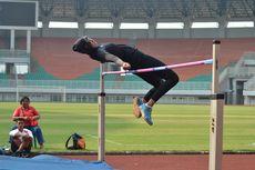 Atlet Lompat Tinggi Tingkatkan Kemampuan dengan