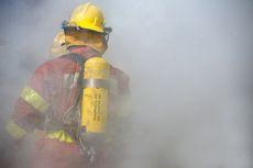 Kebakaran Landa Permukiman Warga di Belakang Hotel Alexis