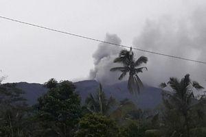 Gunung Agung Meletus, Asap dan Abu Membumbung Setinggi 600 Meter