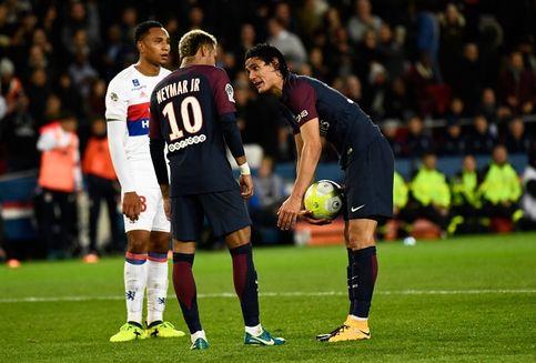 Neymar Berani Berseteru karena Cavani Bukan Messi