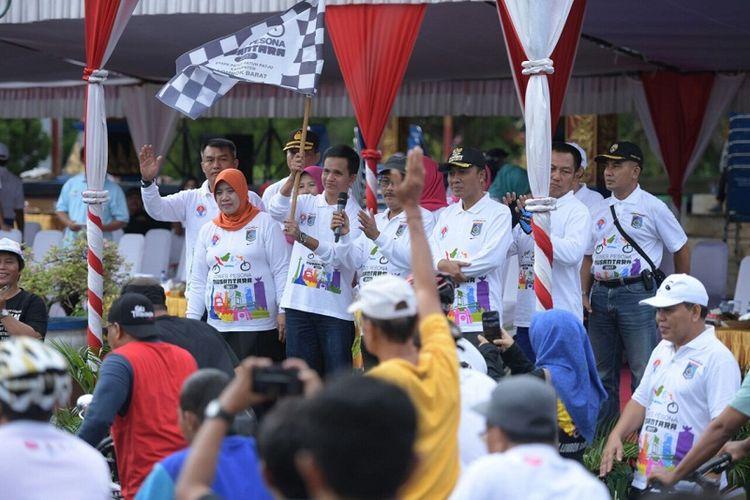 Gowes Pesona Nusantara kembali digelar setelah sempat diliburkan karena Hari Raya Idul Fitri. Kali ini, kegiatan digelar di Lombok Barat, Nusa Tenggara Barat, Sabtu (8/7/2017).