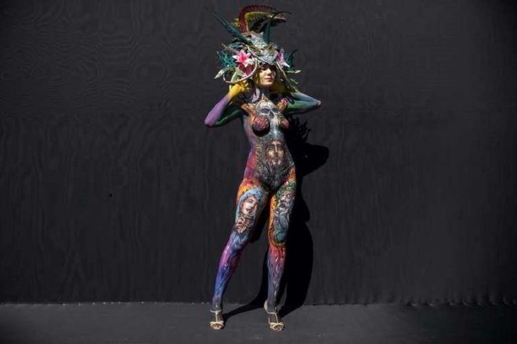 Salah satu model yang tampil dalam International Bodypainting Festival atau Festival Melukis Tubuh Internasional di Daegu, Korea Selatan, 26 Agustus 2017.