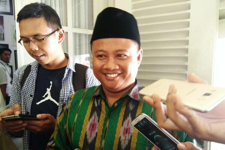 Bupati Tasikmalaya yang juga politisi Partai Persatuan Pembangunan (PPP), Uu Ruzhanul Ulum, saat diwawancarai usai bertemu Wali Kota Bandung Ridwan Kamil di Pendopo Kota Bandung, Jalan Dalemkaum, Selasa (5/9/2017) siang.