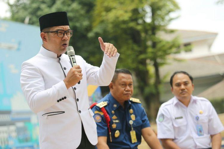 Wali Kota Bandung Ridwan Kamil saat menjadi pembicara dalam kegiatan Bandung Menjawab di Taman Sejarah, Jalan Aceh, Selasa (21/11/2017).