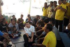 Temui dan Beri Bantuan ke Pengungsi, Setya Novanto Jalan Pelan-pelan