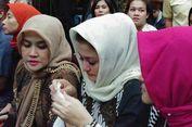 Tangis Istri Setya Novanto Melihat Suaminya Hadapi Sidang Dakwaan...