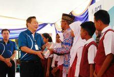 BCA Bagi-bagikan Buku Bacaan di Seluruh Indonesia