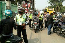 Diminta Polisi Tunjukkan SIM-STNK, Pengendara Motor Satria Menangis