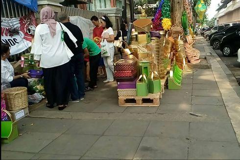 Jelang Lebaran, Tak Ada Penjual Parsel di Trotoar Stasiun Cikini